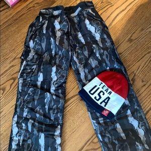 Boys snow pants camo size L 10/12 slalom
